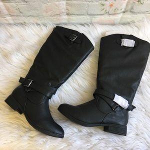 NWT Maurice's Black Vegan Boots